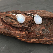 Drop Earrings in Moonstone and Silver