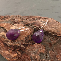 Drop Earrings in Amethyst