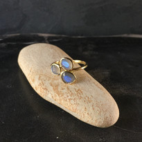 Avalon Ring in Gold with Labradorite
