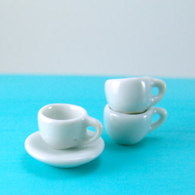 Dollhouse Miniature Coffee Cup And Saucer 1 12 Scale