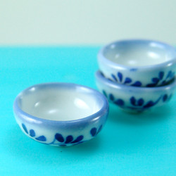 Dollhouse Miniature Bowl, Blue and White Pattern - 1/12 scale