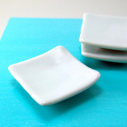 Dollhouse Miniature Dinner Plate, Square - 1/6 scale