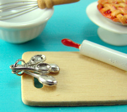 Dollhouse Miniature Measuring Spoons - 1/12 scale