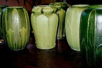 Gruebyesque vases