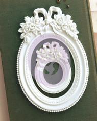 Prima Marketing Memory Hardware Resin Frames - Blanc Fleur Oval Frame