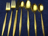 Carlyle - Golden Bouquet - 92 PCs - NEW - w/ 12 iced tea spoons