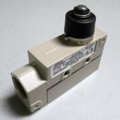 Omron ZE-N-2G Photoelectric Sensor Switch ZEN2G NEW
