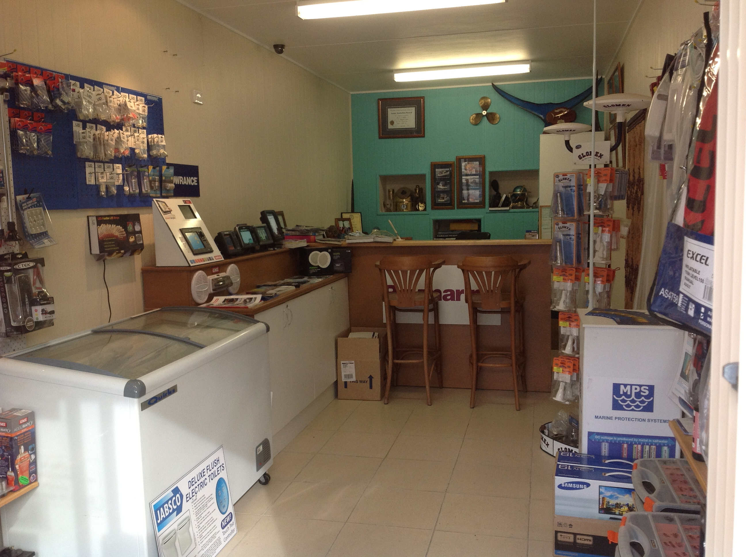 shotgun-marine-electrician-port-macquarie-showroom-3.jpg