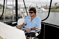terry-navigating-on-bertram-shotgun-marine-port-macquarie.jpg