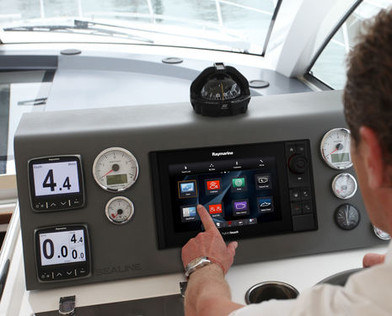 Raymarine es98 MFD with Clear Pulse Touch Screen Bridge shot