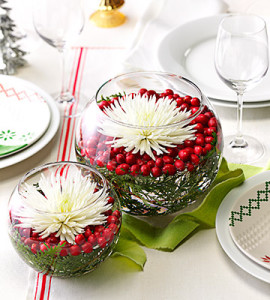 Christmas table centerpiece inspirations harbor farm wreaths for Country woman magazine crafts