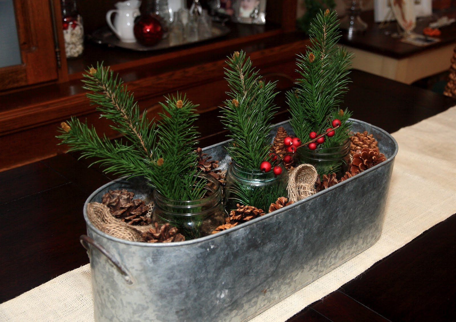 Rustic christmas table decorations - photo#24