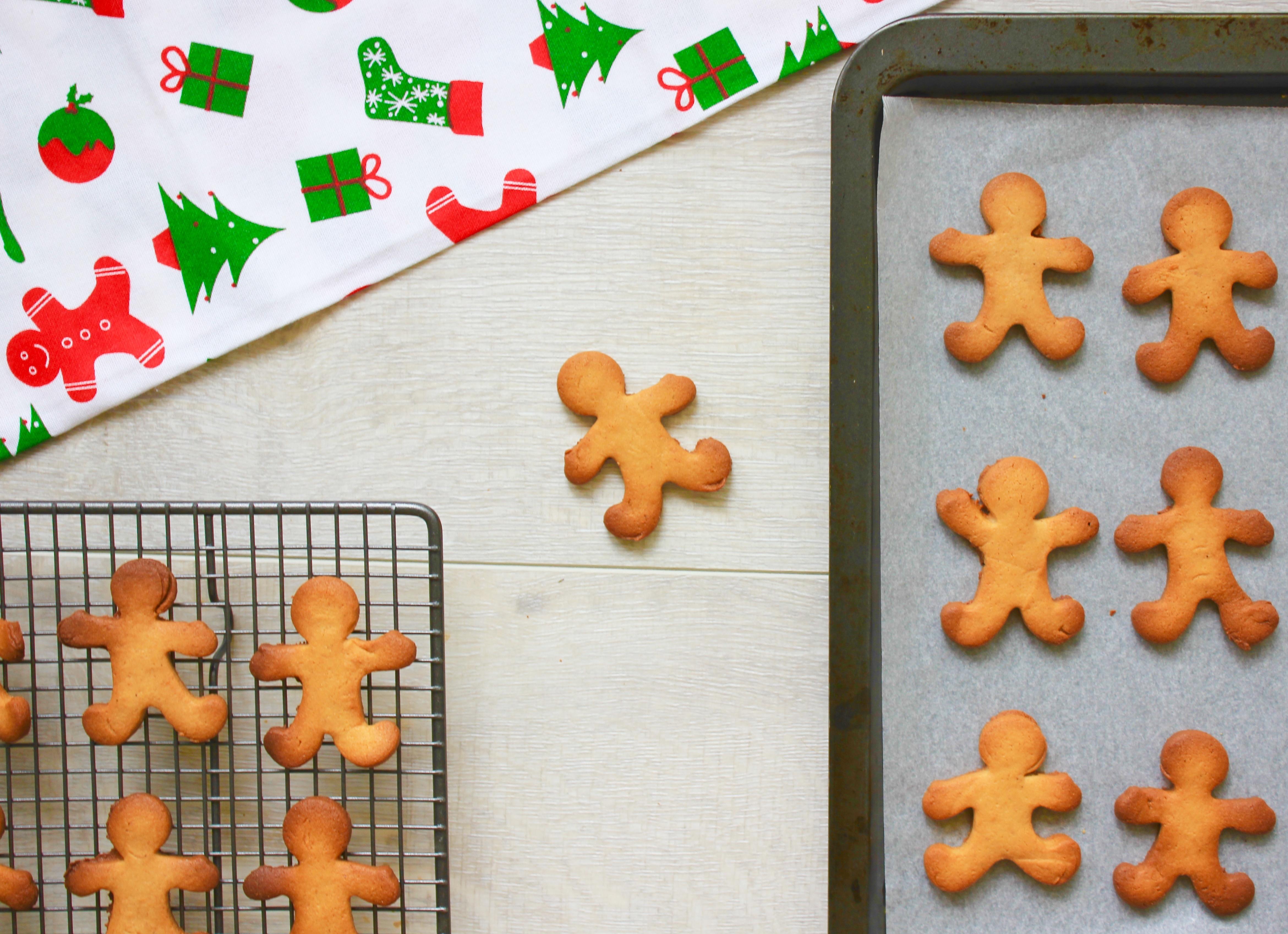 cass-gingerbreadmen2.jpg