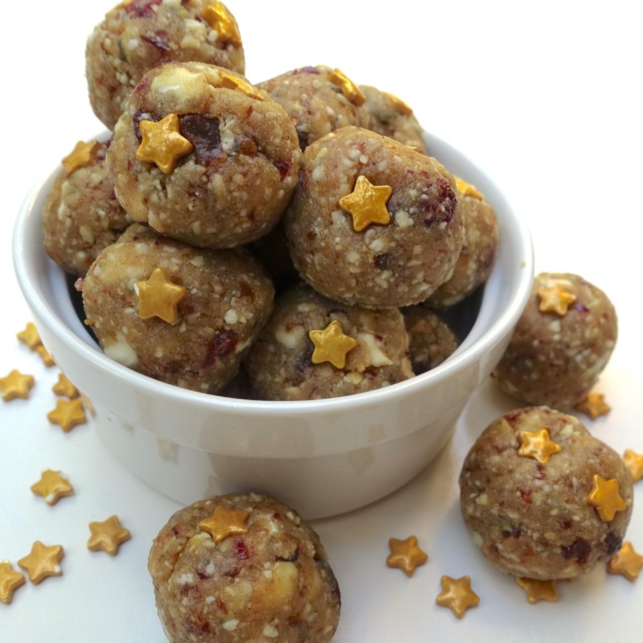 leanne-protein-balls-xmas.jpg