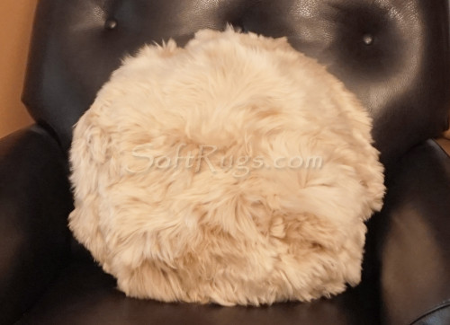 20in Round Suri Alpaca Fur Pillow in Champagne