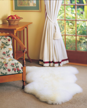 Sheepskin Specials: Autumn Lamb Jumbo Single Pelt Longwool Rugs 44in x 22in
