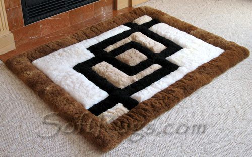 Attractive Interlocking Squares Alpaca Rug