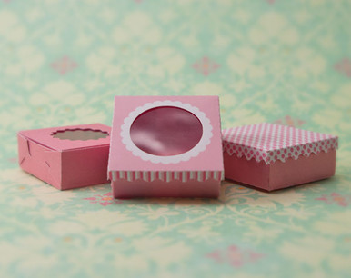 pink dessert boxes