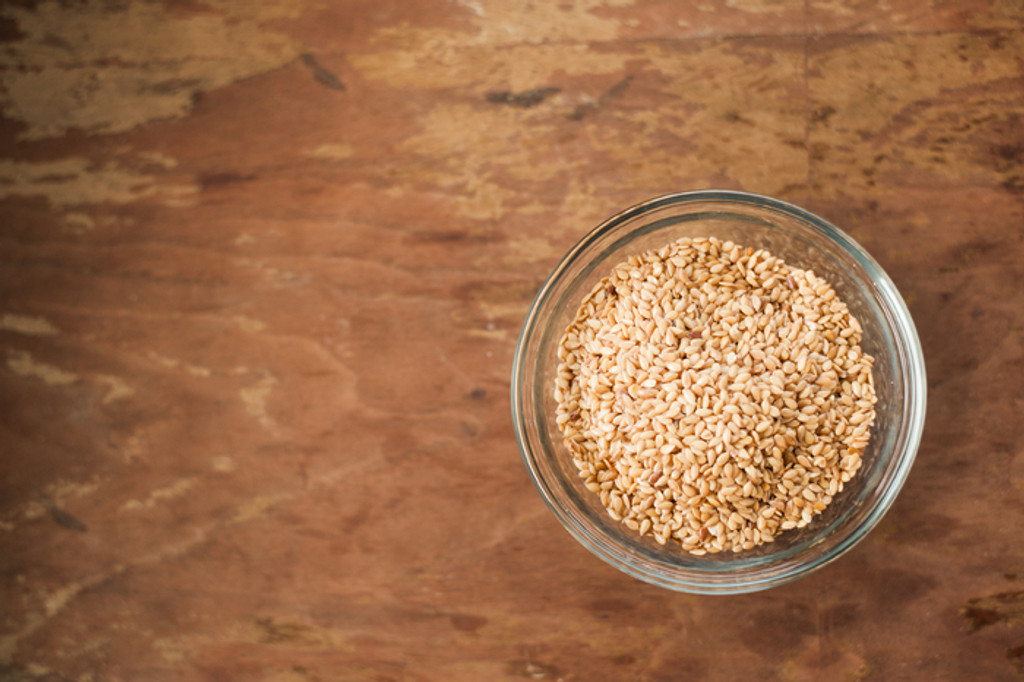 What's the Difference Between Flax Seeds and Flax Seed Powder?