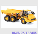 Norscot 55130 HO Scale 1:87 Caterpillar(R) Cat 730 Articulated Dump Truck - Assembled