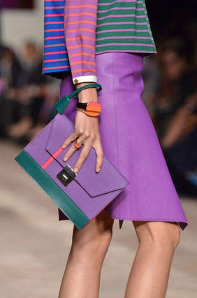 Dissonate colors in fashion.