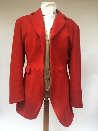"""Gent's red 3-button hunt coat, 40"""""""