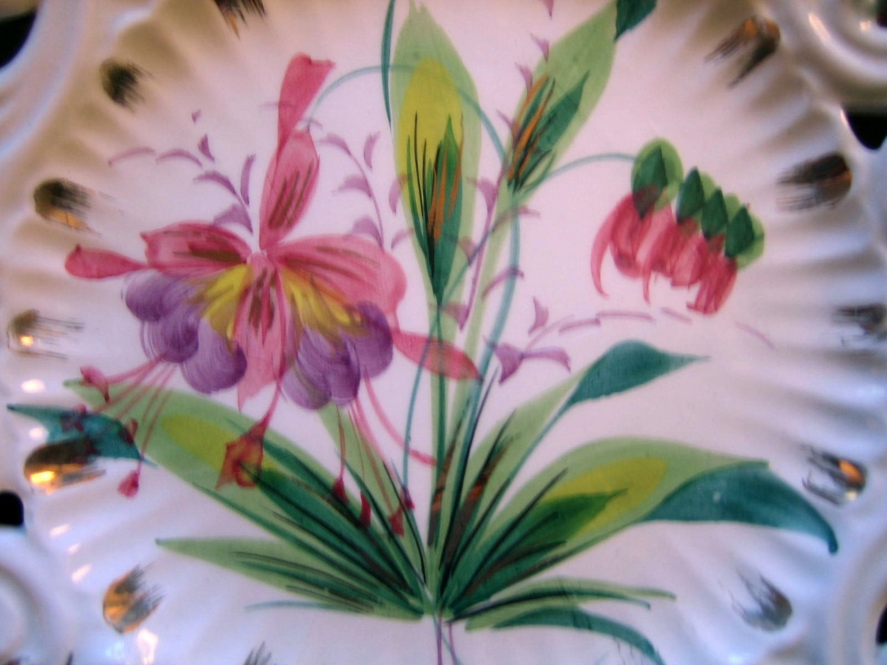 Vintage Decorative Plate - Aqua Pierced Purple Flower Gold Leaf Handpainted in Italy Center www.DecorativeDishes.net