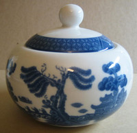 Willow Ware Cute Lidded Bowl www.DecorativeDishes.net