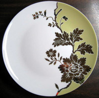 White Green Shiny Gold Floral Leaves Damask Shabby Plate