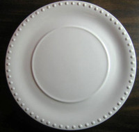White Raised Dotted Edge Circle Center Plate L