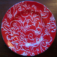 White on Red Scroll Leaf Flower Small Plate