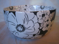 Black White Hibiscus Hawaiiana Deep Bowl
