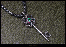 Large Clover Heart Key Pendant w/Synthetic Stones
