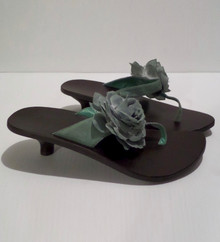 Fashion Show Shoes - FINAL SALE - SEYCHELLES' THONG KITTEN HEEL SANDALS WITH FLOWER - SIZE 10 (1 AVAILABLE)