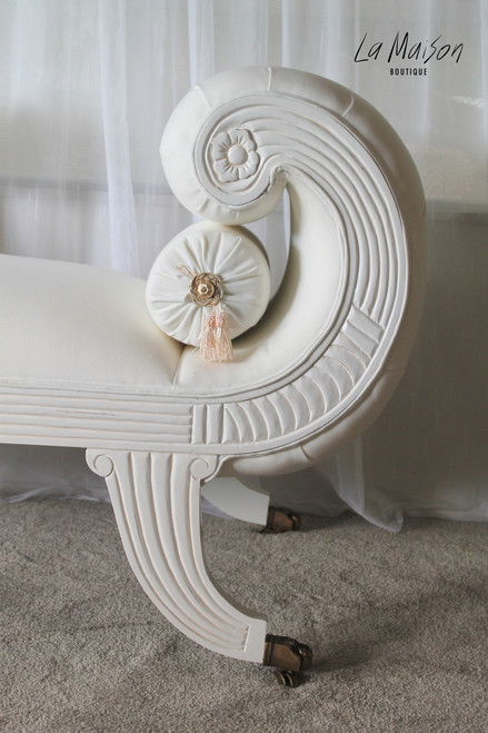 PRE ORDER: Chaise Longue Antique