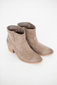 Everyday Cowgirl Booties - Taupe