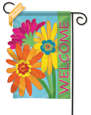 Welcome applique garden flag reads correctly on both sides.