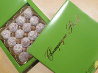 "Champagne Truffles ""PEARLS""  MIXED Dark & Milk - 16 pieces"