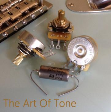 Set of 3 (3X) - CTS 450G Series 250K Vintage-Style Potentiometers - Short SPLIT Shaft - Audio Taper - 10% Tolerance w/ .047uf NOS Russian K40Y-9 Cap