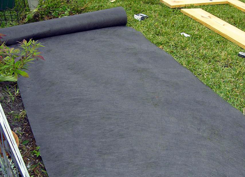 weed barrier 3 39 x 50 39 roll wondertote toronto. Black Bedroom Furniture Sets. Home Design Ideas