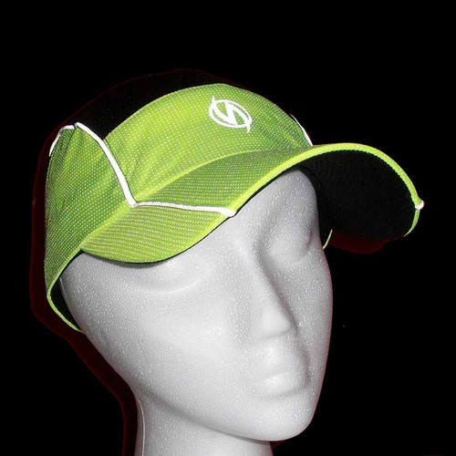 Reflective illumiNITE Mesh Running Cap Night Detail