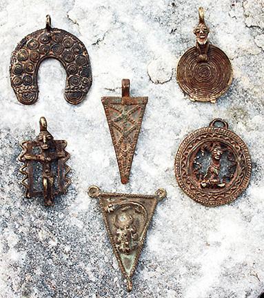 -809-dogon-pendants.jpg