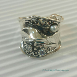 Spectacular Ring