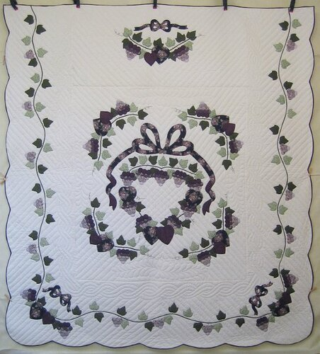 Country Grapes Applique Amish Quilt 103X113
