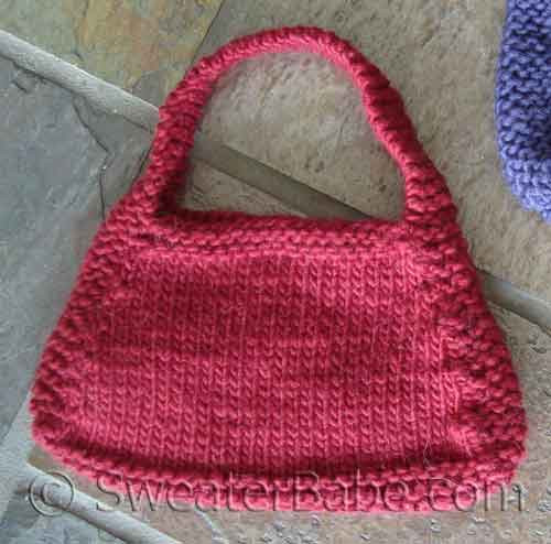 Purse Knitting Patterns For Beginners : Easy Hip Knit Purse Knitting Pattern for Beginners from SweaterBabe.com.