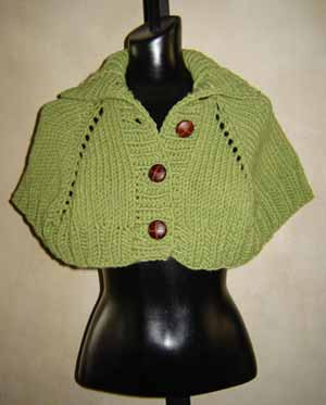 Free Capelet Knitting Patterns : Easy Turtleneck Capelet Knitting Pattern in GGH Aspen Yarn from SweaterBabe.com.