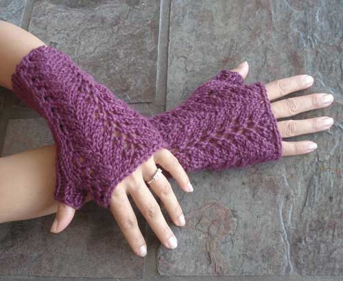 Knitting Pattern Of Gloves : PDF Knitting Pattern for One Skein Lace Fingerless Gloves from SweaterBabe.com.