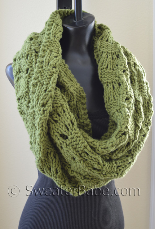 Knitting Pattern - Soft and Chunky Infinity Scarf from SweaterBabe.com