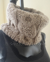 knitting pattern photo for chunky cabled cowl