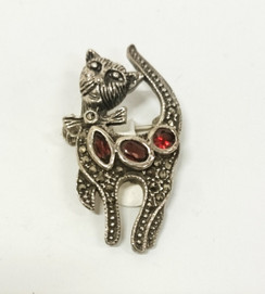 Silver Diamontie Cat with red stones Brooch